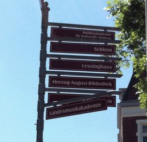 Wegweiser in Wolfenbüttel